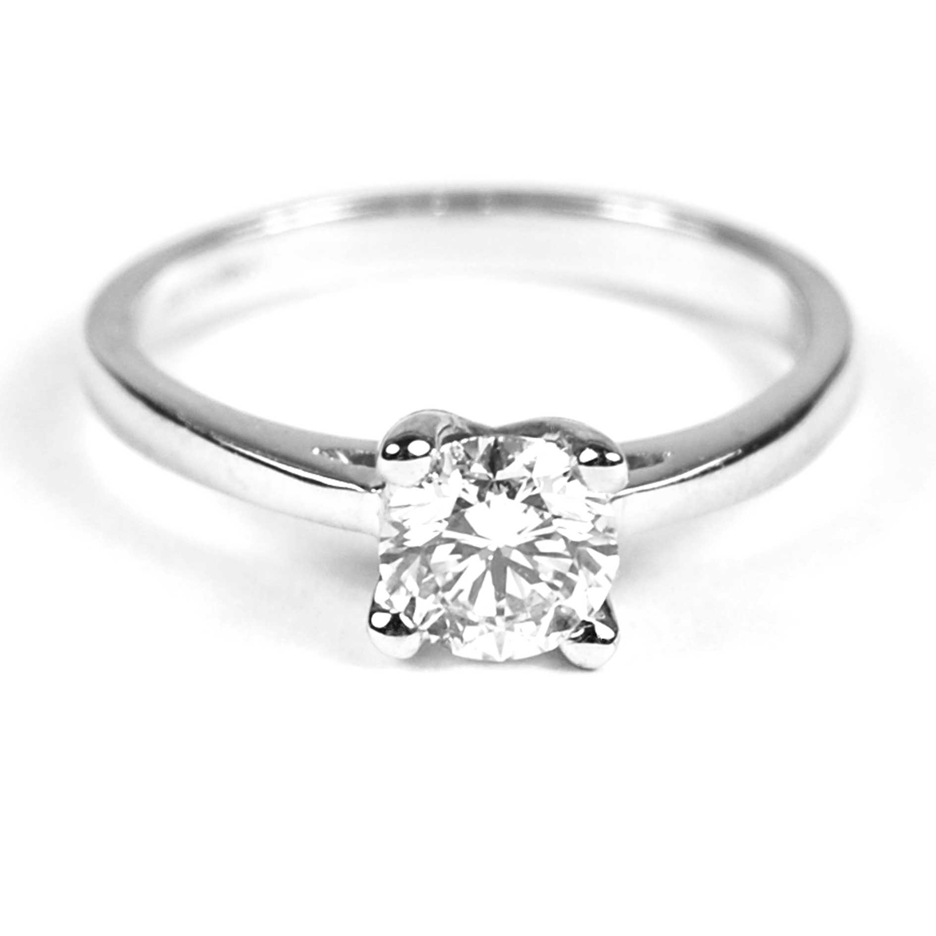 solitaire platinum mounted ring diamond