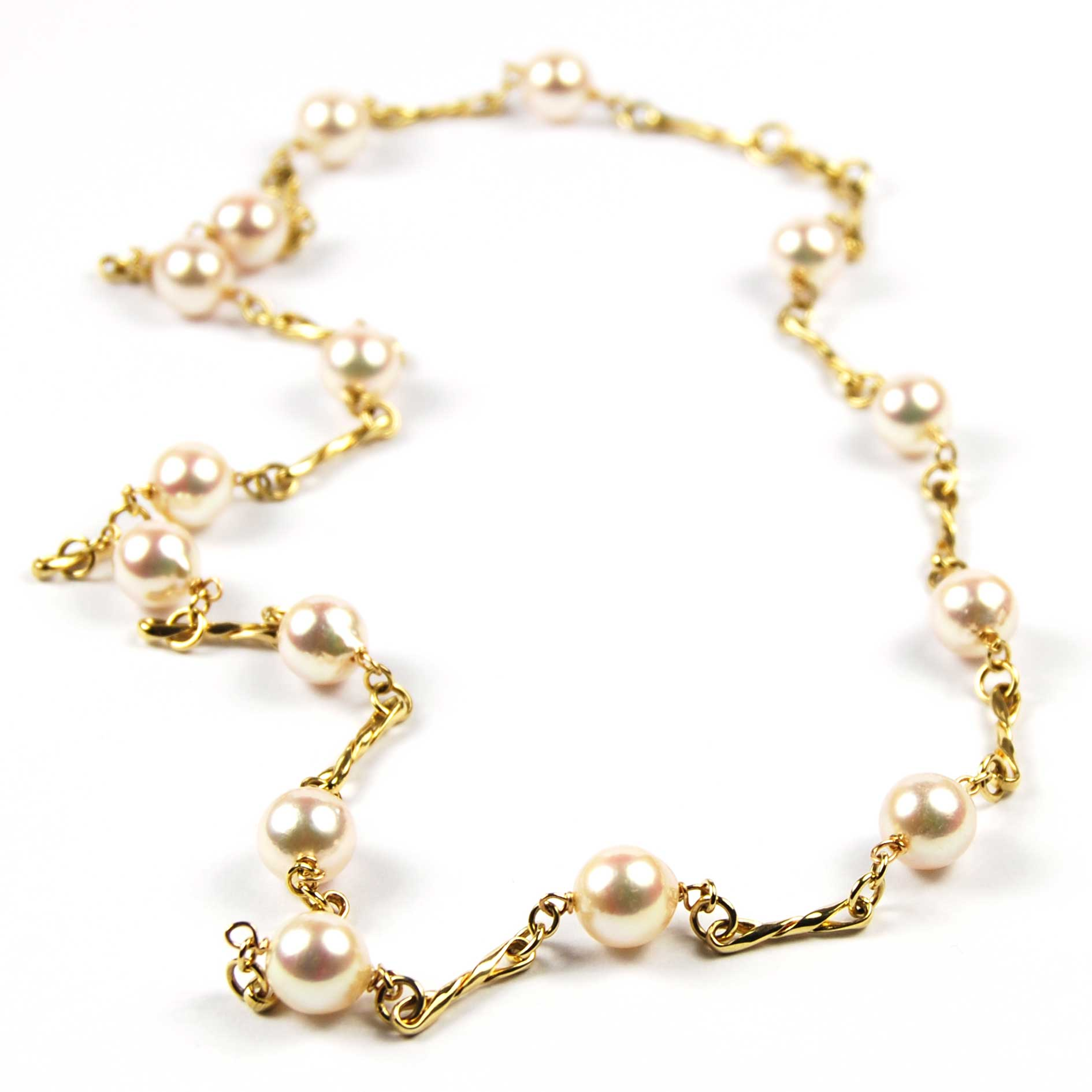 9 Carat Yellow Gold Cultured Pearl Necklace