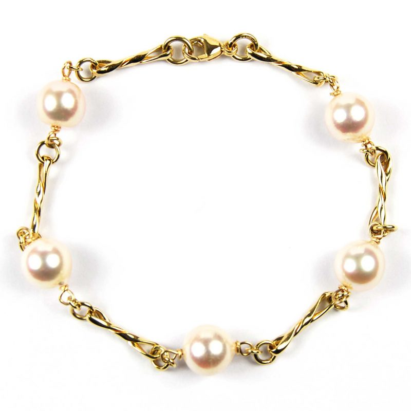 9 Carat Yellow Gold Cultured Pearl Bracelet