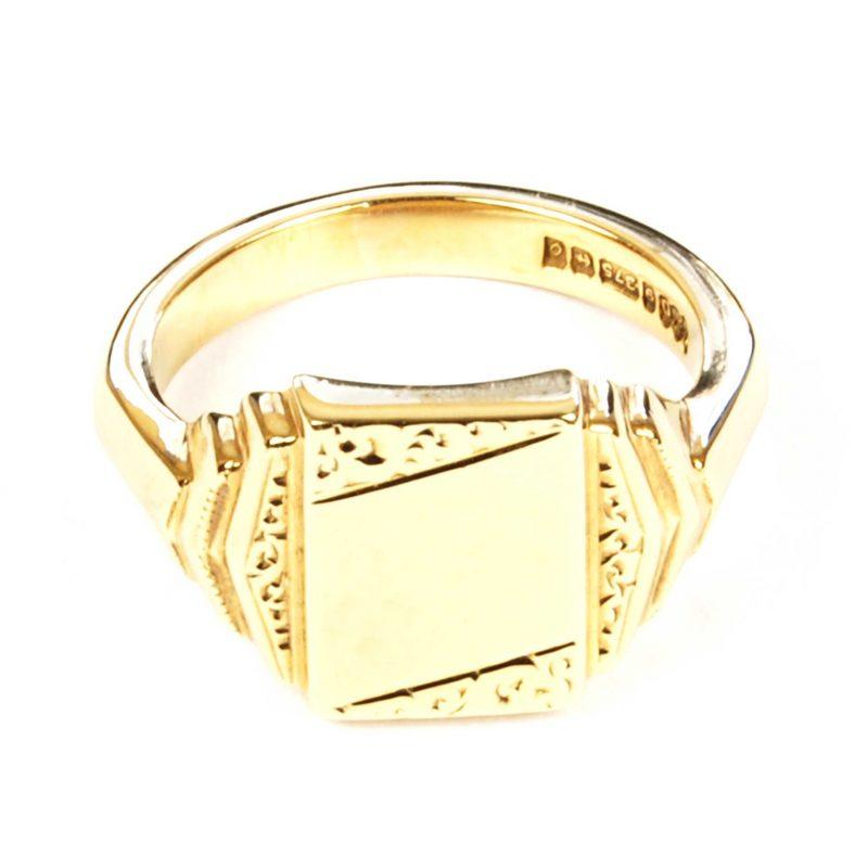 Art Deco 9 Carat Yellow Gold Signet Ring